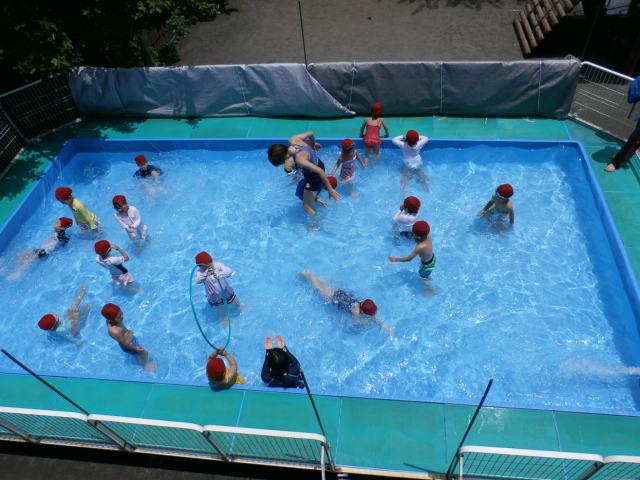 プール遊び始まりました!