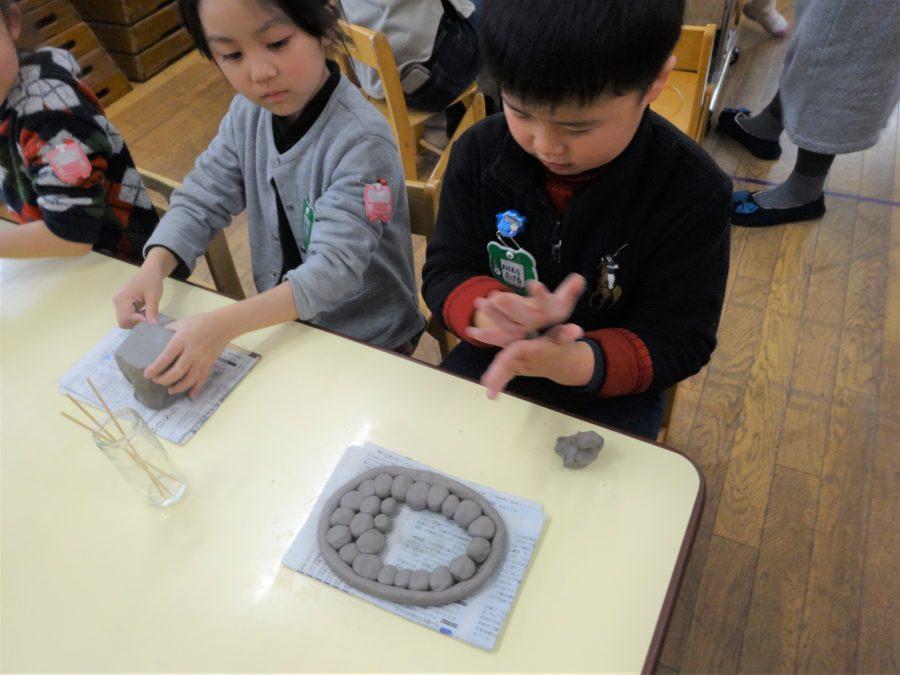 年長児 陶器製作